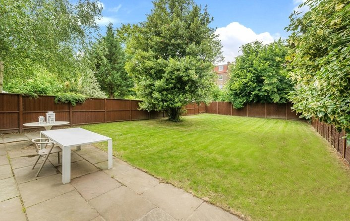 Flat for sale in Aberdare Gardens, South Hampstead