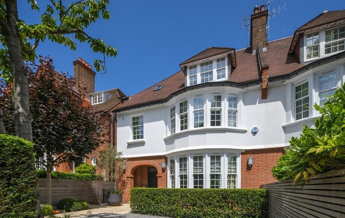 House for sale in Ferncroft Avenue, Hampstead