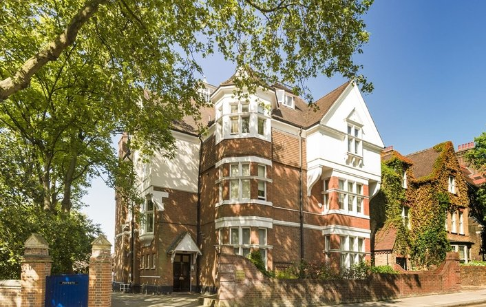 Flat for sale in Garden Apartment, Fitzjohn's Avenue, Hampstead