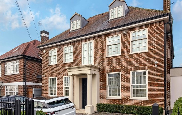 House for sale in Hermitage Lane, Hampstead