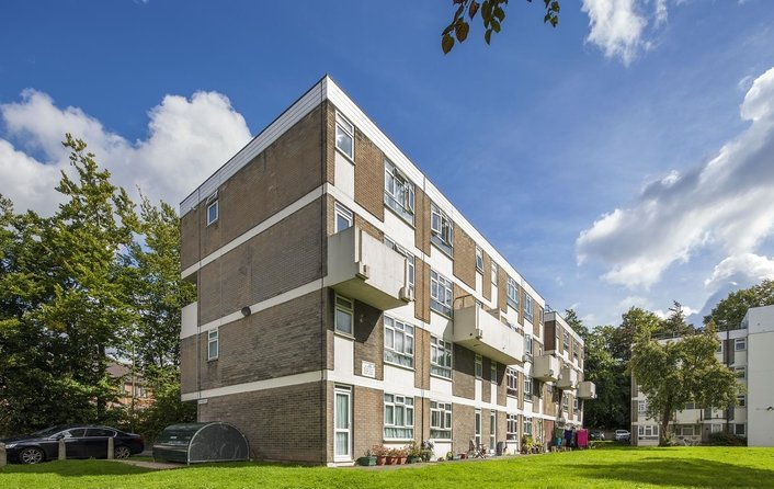 Flat for sale in Hermitage Lane, Hampstead
