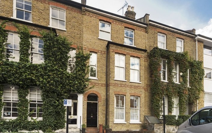 House for sale in New End Square, Hampstead Village