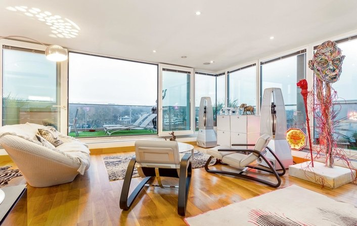 Flat for sale in Pond Street, Hampstead Heath