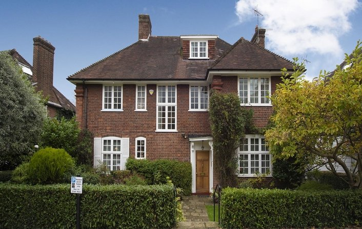 House for sale in Sheldon Avenue, Kenwood
