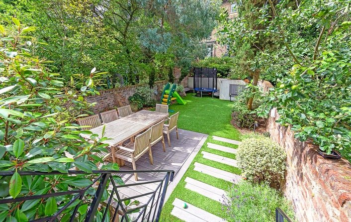 Flat for sale in Upper Park Road, Belsize Park