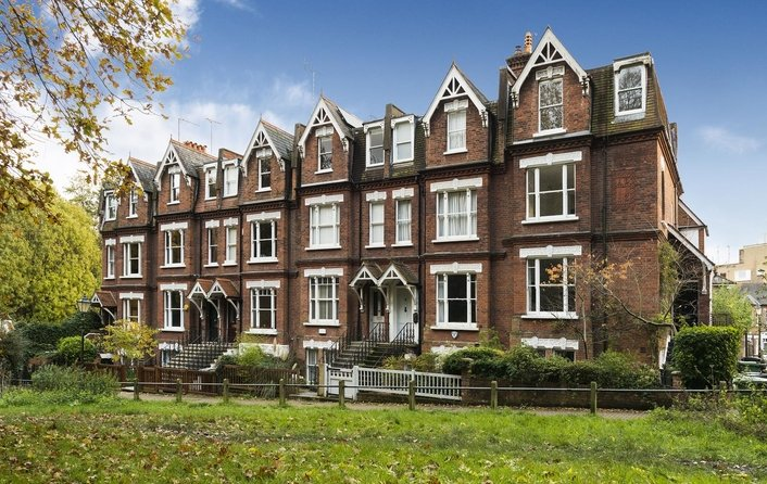 House for sale in Vale Of Health, Hampstead