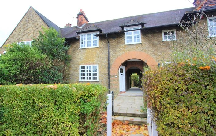 House to rent in Asmuns Place, Hampstead Garden Suburb