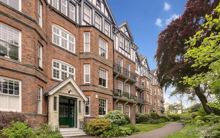 Flat to rent in Highgate West Hill, Highgate