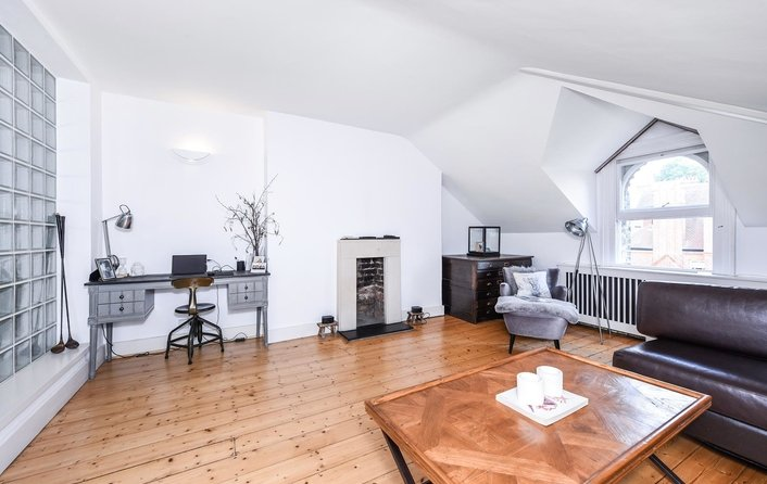 Flat to rent in Ellerdale Road, Hampstead