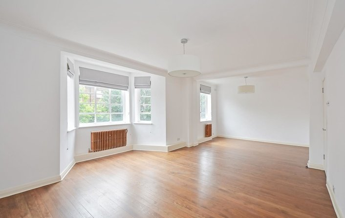 Flat to rent in Frognal Lane, Hampstead