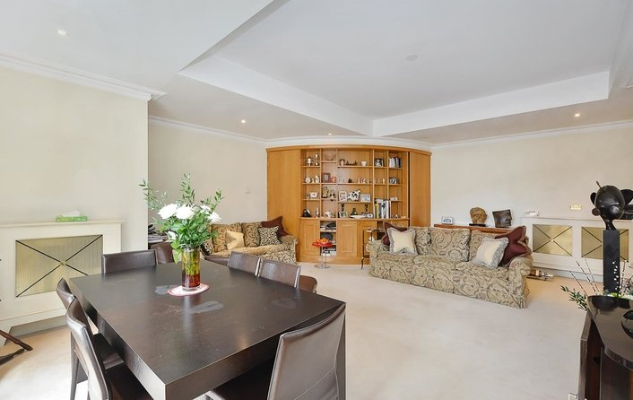 Flat to rent in Mount Vernon, Hampstead Village