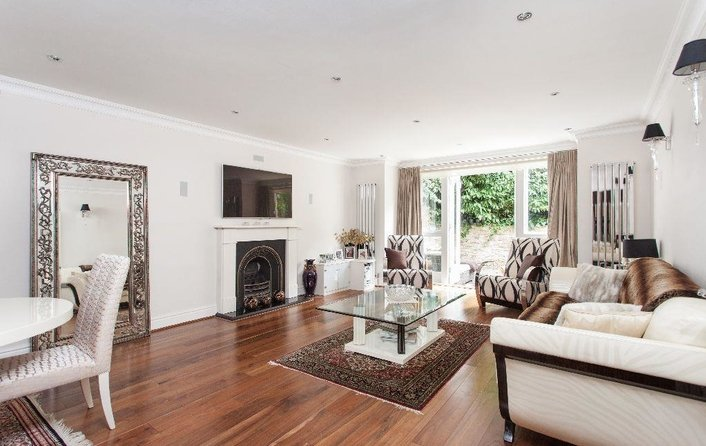 Flat to rent in Redington Gardens, Hampstead