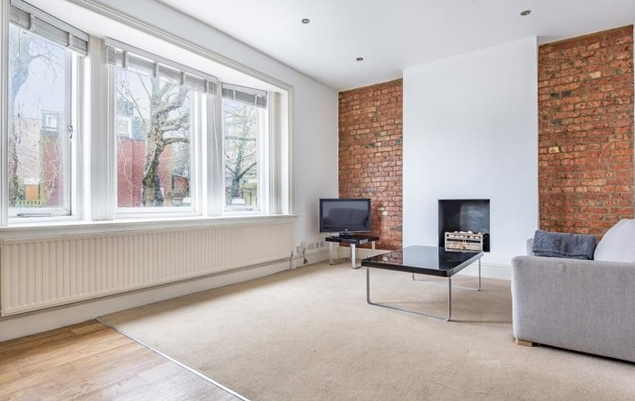 Property to rent in Rosslyn Hill, London