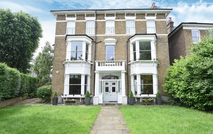 Flat to rent in South Hill Gardens, Hampstead