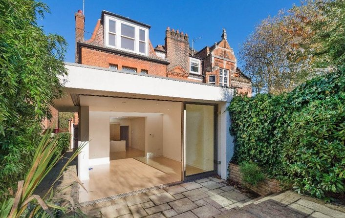 House to rent in West Heath Road, Hampstead