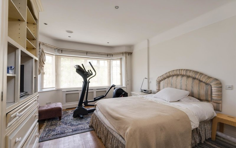 House for sale in Bancroft Avenue, Hampstead Garden Suburb