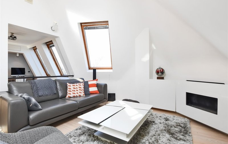 Flat for sale in Belsize Lane, Belsize Park