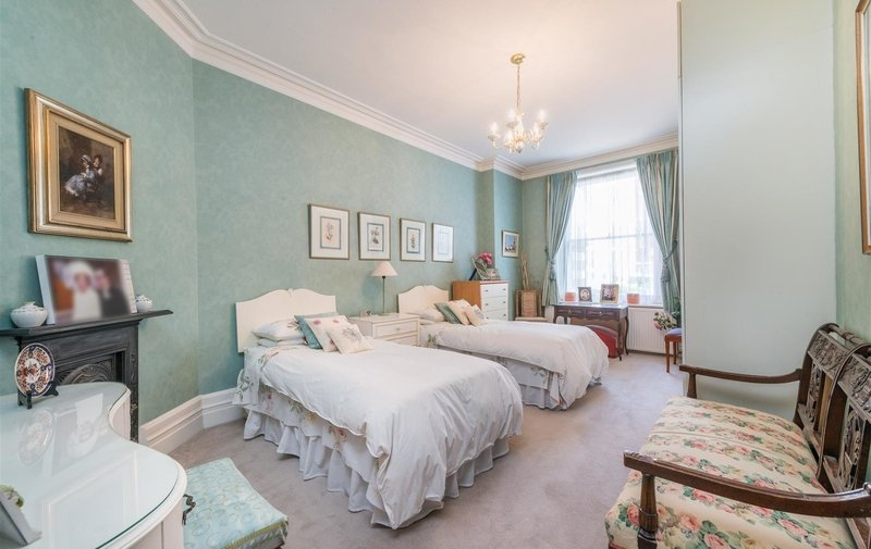 Flat for sale in Cannon Hill, West Hampstead