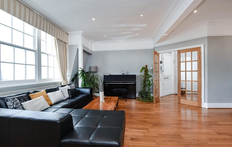 Flat for sale in Church Row, Hampstead Village
