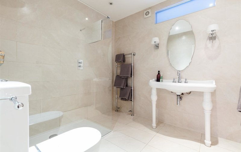 House for sale in Finchley Road, Hampstead Borders