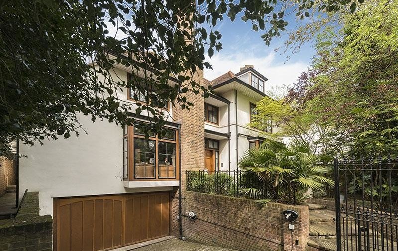 House for sale in Fitzroy Park, Highgate