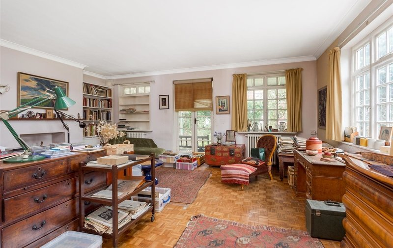 House for sale in Frognal Gardens, Hampstead Village