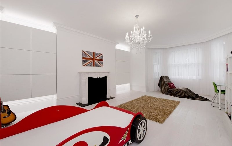 Flat for sale in College Crescent, Belsize Park
