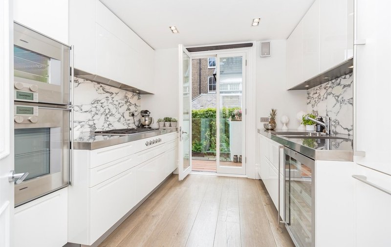 Flat for sale in Garden Maisonette, Carlingford Road, Hampstead Village