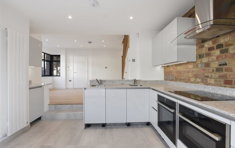 Flat for sale in St. Georges Road, Temple Fortune