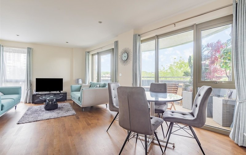 Flat for sale in Lawn Road, Belsize Park