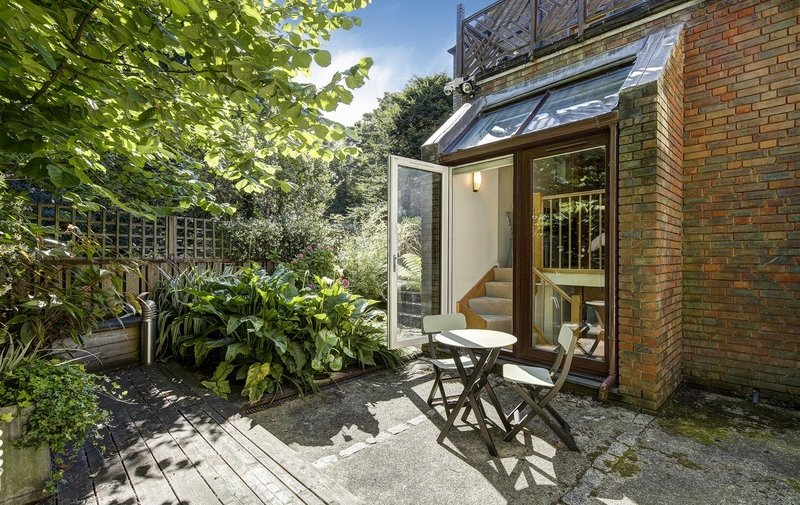 House for sale in Mansion Gardens, Hampstead