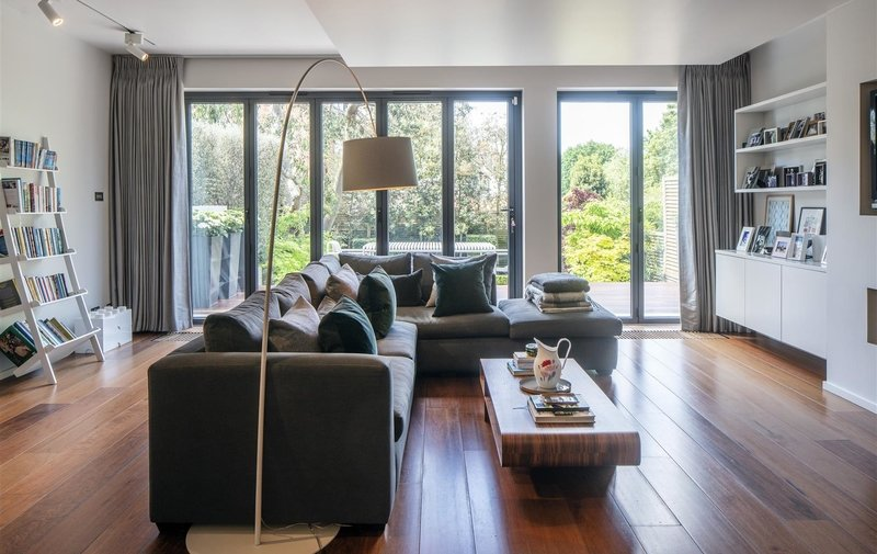 House for sale in Platts Lane, Hampstead