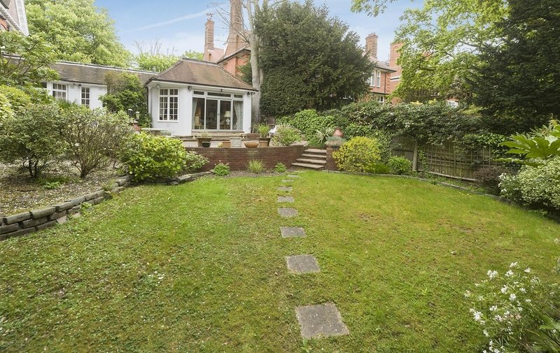 House for sale in Templewood Avenue, Hampstead