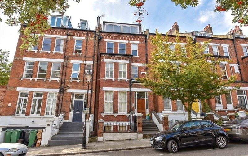 House to rent in Carlingford Road, Hampstead