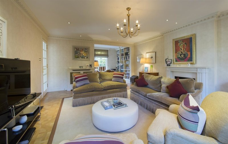 House to rent in Elm Walk, Hampstead