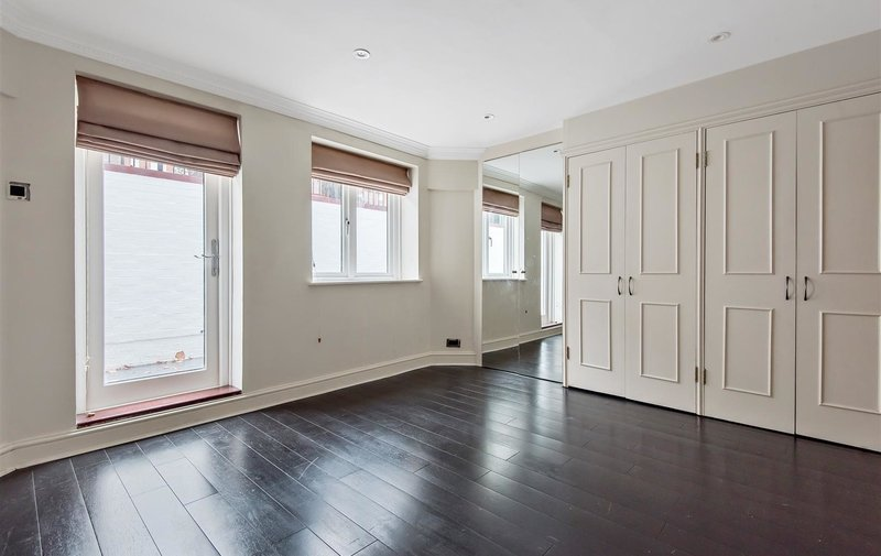 Property to rent in Frognal, Hampstead