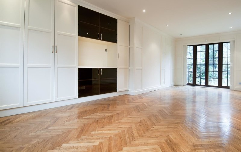 House to rent in Frognal Lane, Hampstead