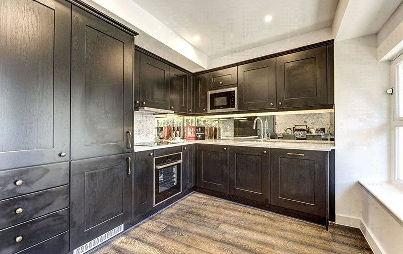 House to rent in Hampstead High Street, Hampstead Village