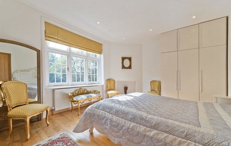 Flat to rent in Heysham Lane, Hampstead