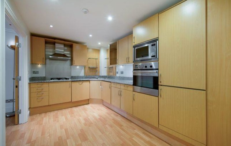 Property to rent in Kidderpore Avenue, London