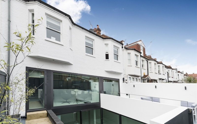 House to rent in Lambolle Place, Belsize Park