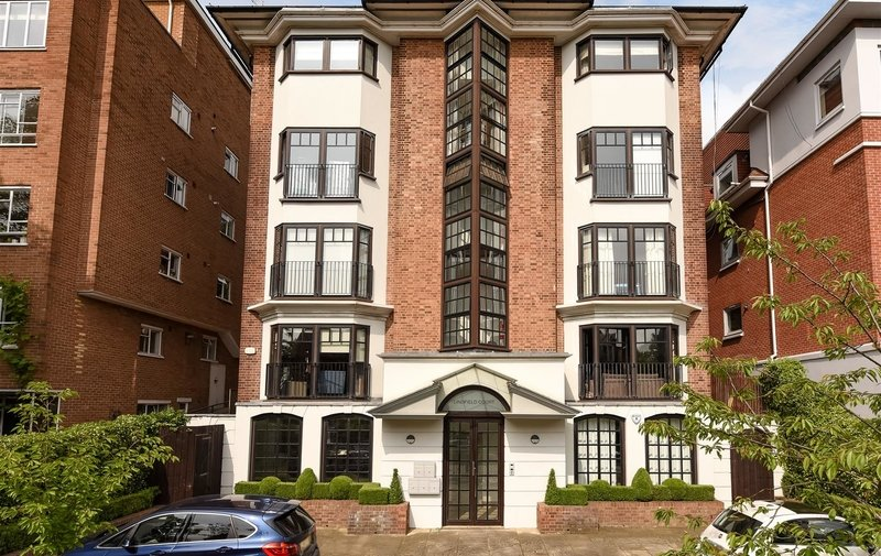 Flat to rent in Lindfield Gardens, London