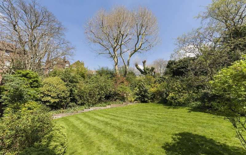 Property to rent in Netherhall Gardens, Hampstead