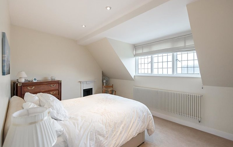 House to rent in Pilgrims Lane, Hampstead
