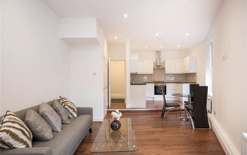 House to rent in Queens Grove, St Johns Wood