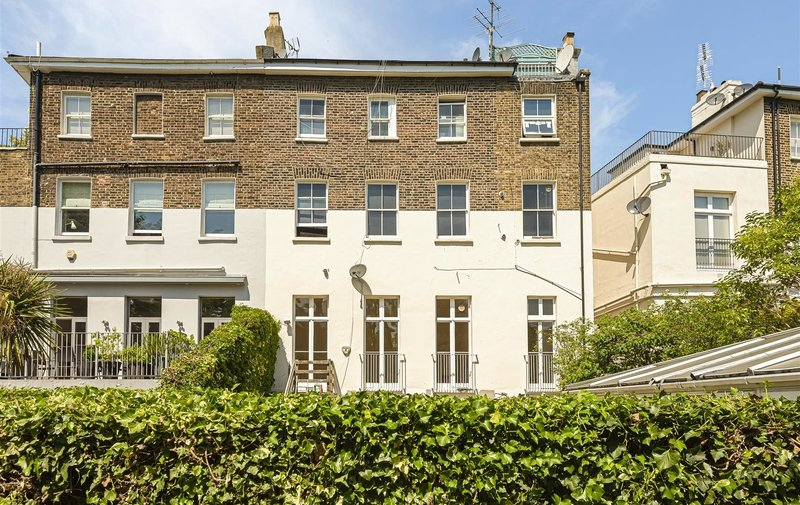 Flat to rent in Buckland Crescent, Belsize Park