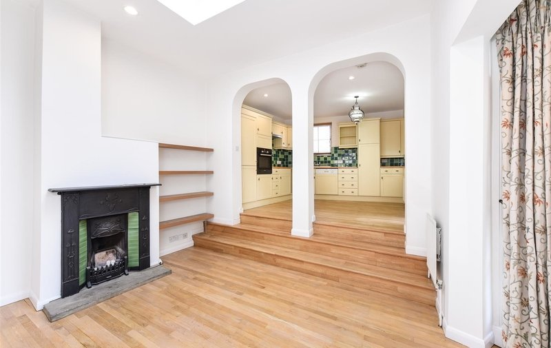 House to rent in Spaniards End, Hampstead Heath