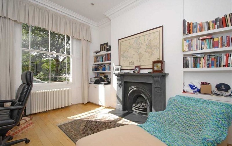 House to rent in Steeles Road, Belsize Park