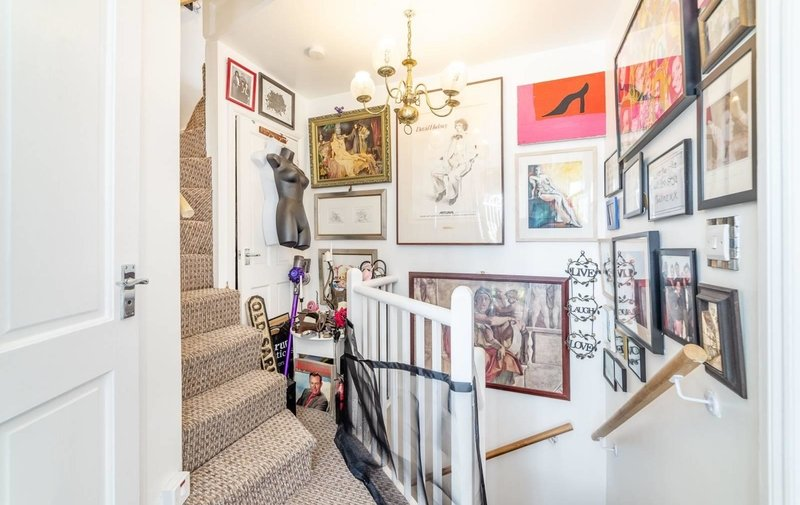 House to rent in The Mount Square, Hampstead Village