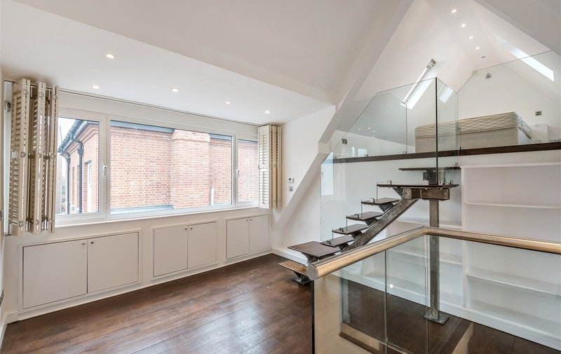 House to rent in Trinity Close, Hampstead